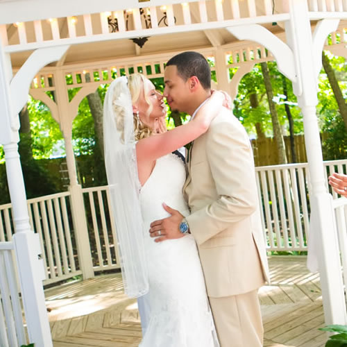 Cooper's Landing Inn Weddings